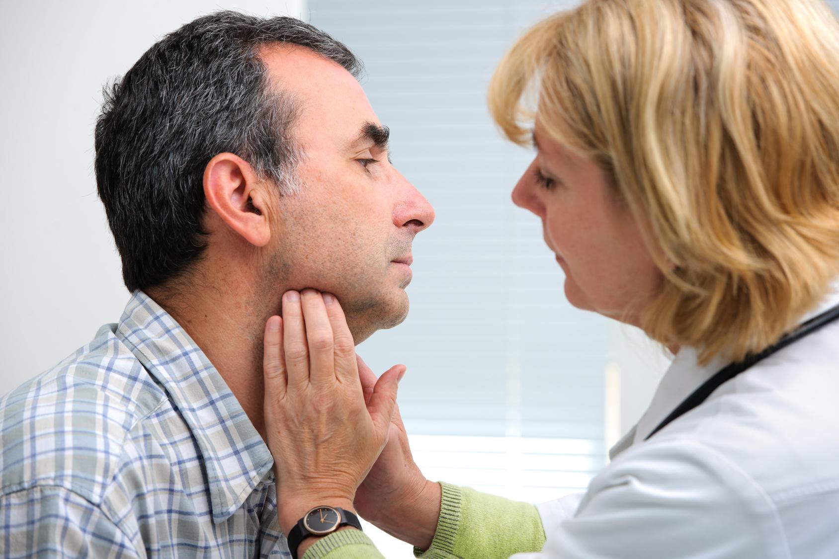 甲状腺手術を名医がすると術後合併症が半分に!