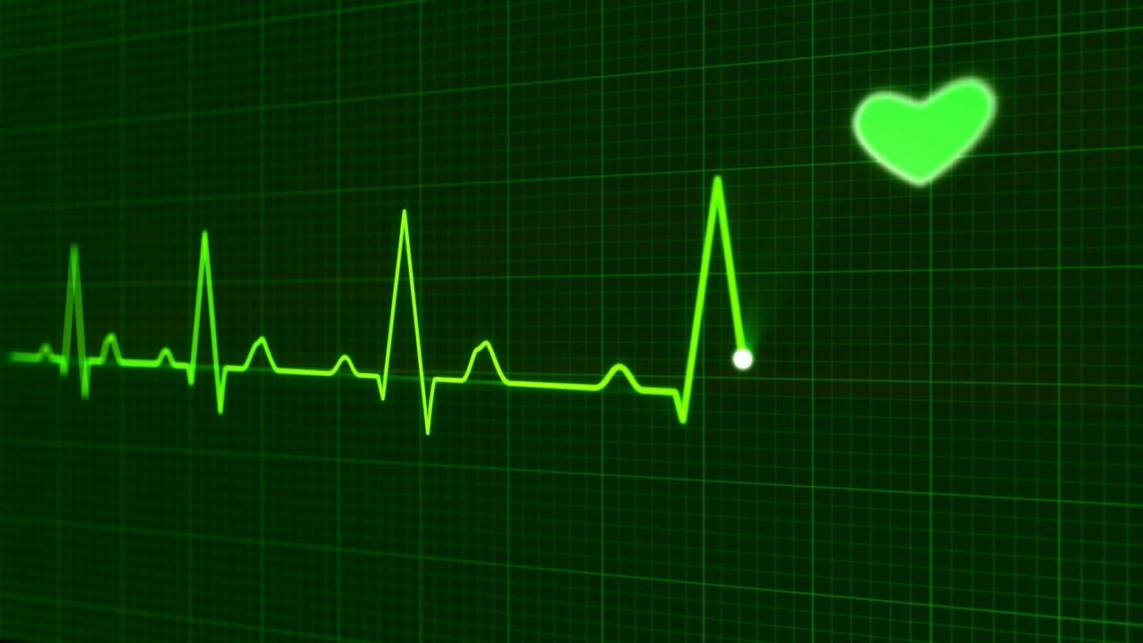 テレビドラマの手術で絶対でてくる心電図だけど、あれでどんな異常がわかるの?